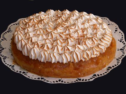 Recette de tarte tatin meringuée au caramel au beurre salé
