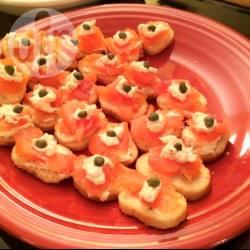Recette toasts de saumon fumé aux câpres – toutes les recettes ...