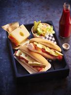 Recette de hot dog à la saucisse de francfort et emmentaler aop ...