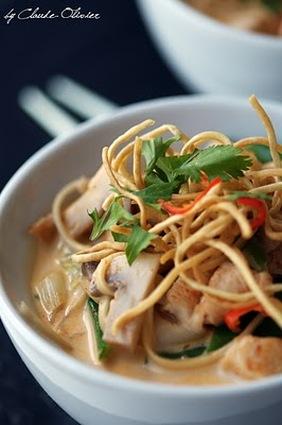 Recette de soupe thaïe au poulet et nouilles, curry rouge