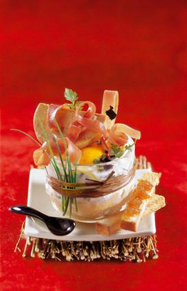 Recette oeuf cocotte au jambon cru et au foie gras