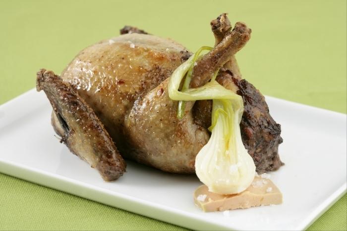 Recette de pigeon désossé farci au foie gras facile