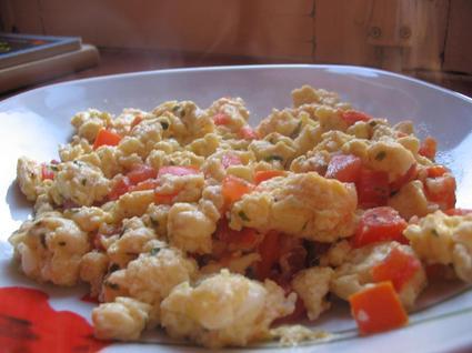 Recette oeufs brouillés à la tomate