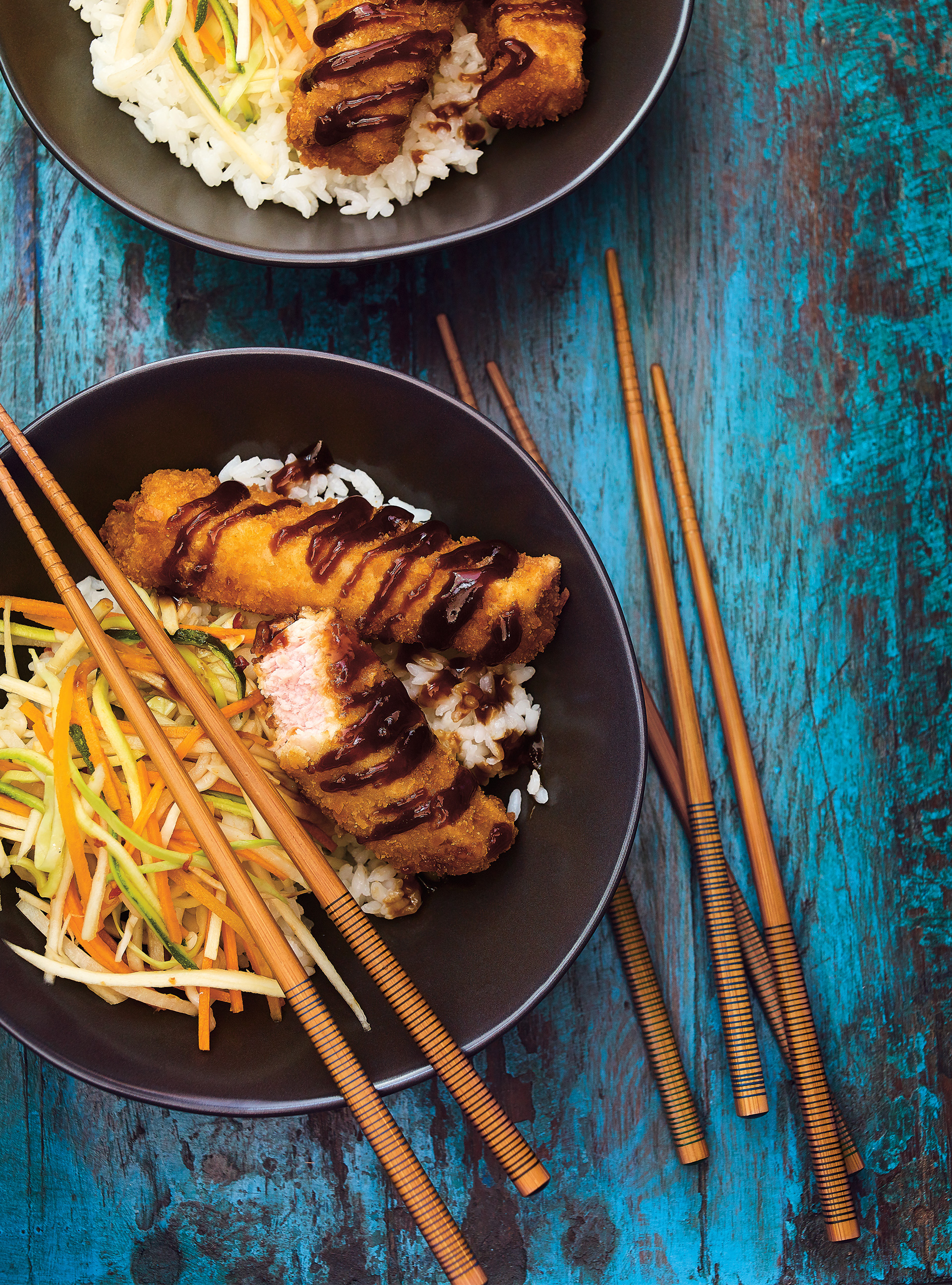 Bol de riz au porc croustillant et aux légumes marinés | ricardo
