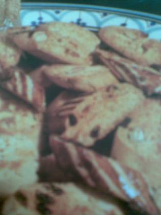 Recette de fekkas aux raisins secs et aux amandes