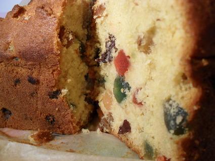 Recette de cake aux fruits confits ou dundee cake