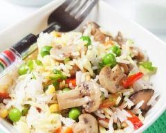 Recette salade de riz aux champignons et aux légumes de printemps