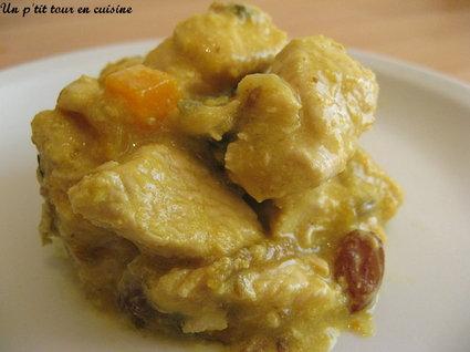 Recette escalopes de dinde au curry, raisins secs et pêche