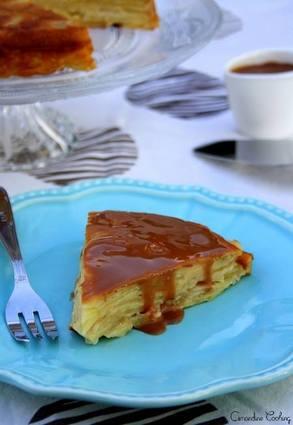 Recette de gâteau invisible aux pommes et coulis de carambar