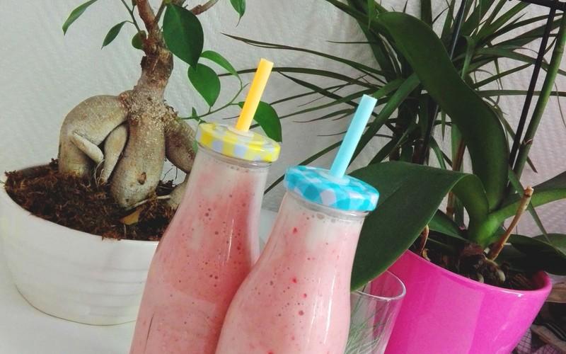 Recette smoothies fraise banane coco pas chère et rapide ...
