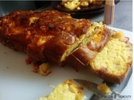 Recette de cake aux oignons caramélisés, jambon et pavé d ...