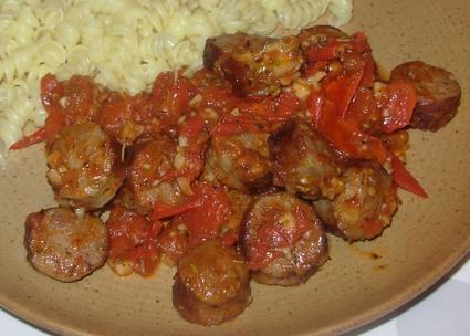 Recette de mijoté de saucisse à la tomate