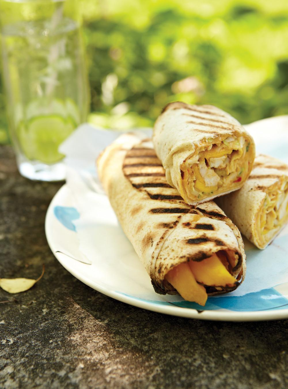 Pitas grillés au poulet et à la mangue | ricardo