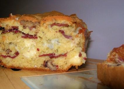 Recette de cake au gongorzola, magret de canard et noix