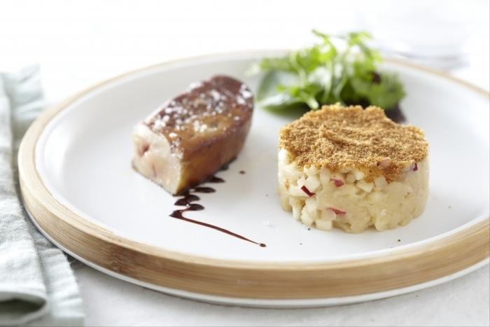 Recette de foie gras poêlé, crumble de pommes au pain d'épice ...