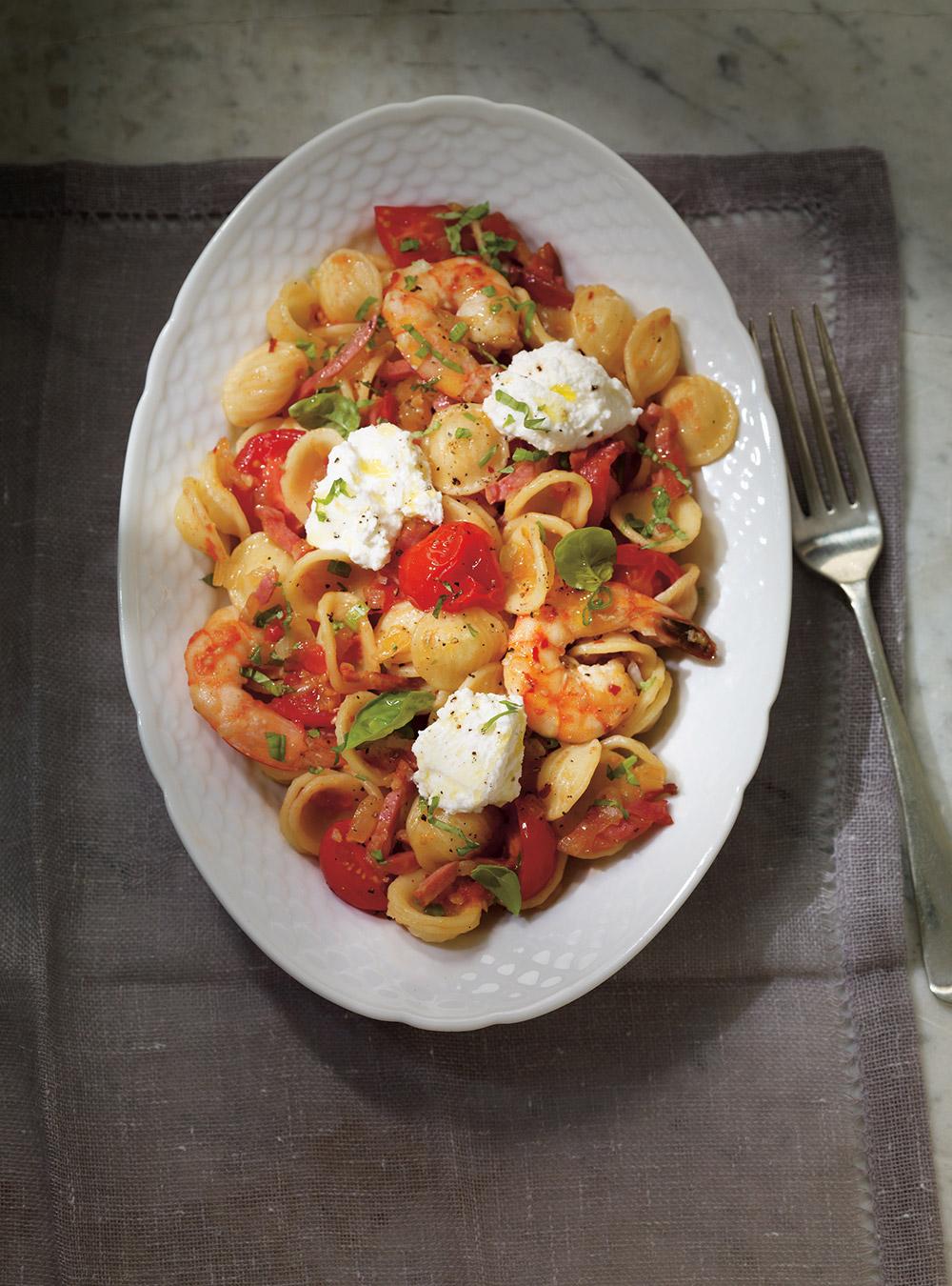 Orechiettes aux tomates fraîches, crevettes et pancetta | ricardo