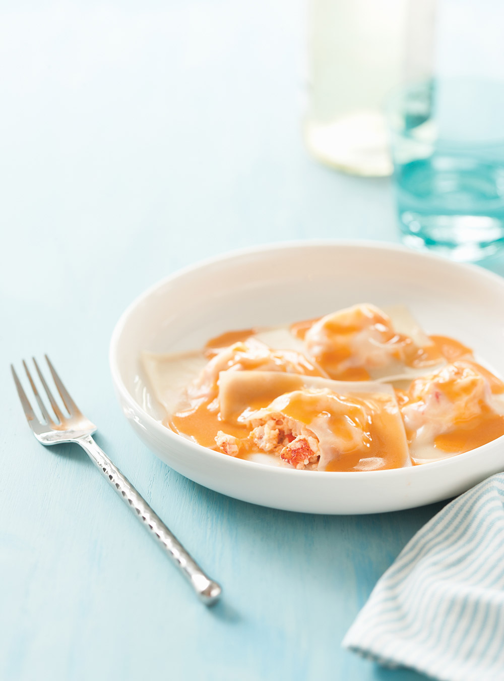 Raviolis de homard, sauce au beurre au homard | ricardo