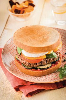 Recette de toast burger méditerranéen aux courgettes, tomates ...