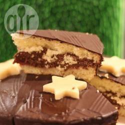 Recette gâteau fourré à la mousse au chocolat et à la confiture de ...