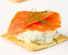 Recette toasts crackers au saumon fumé