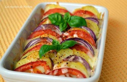 Recette de tian de pommes de terre, tomates et oignons rouges à la ...