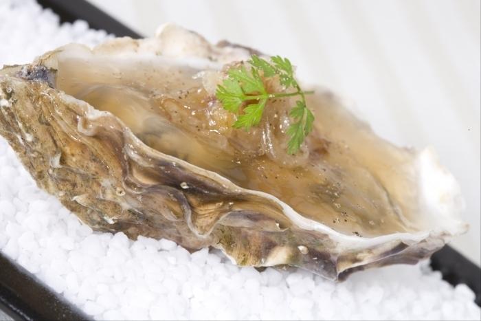 Recette de huîtres en gelée au confit d'échalotes facile
