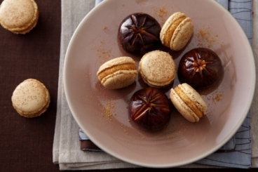 Recette de macaron au sucre cuit pain d'épices, figues rôties au miel
