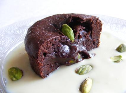 Moelleux au chocolat coeur truffé à la pistache et crème anglaise café