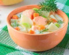Recette potage au saumon et aux légumes nouveaux