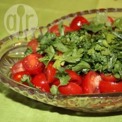 Recette salade de tomates cerises marinées – toutes les recettes ...