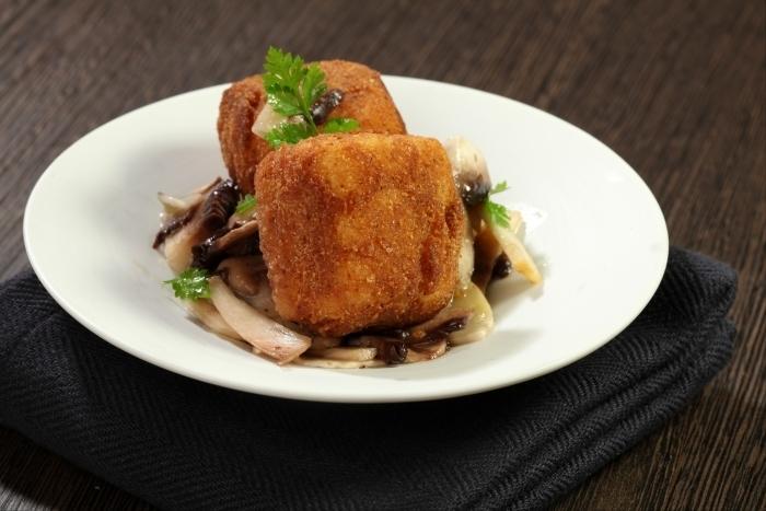 Recette de risotto frit, salade de champignons crus facile et rapide