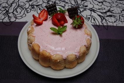 Recette de charlotte aux fraises, chantilly et kirsch