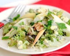 Recette salade d'endives au bleu, poires et noix