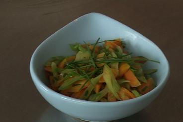 Recette de poêlée de jeunes carottes et céleri branche facile
