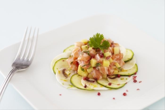 Recette de marinade de saumon aux fruits exotiques, salade de ...