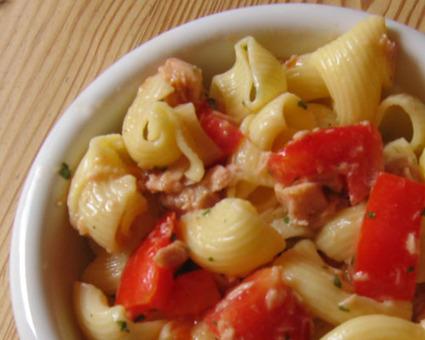 Recette de salade de pâtes au thon et tomates cerises