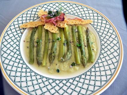 Recette asperges vertes en 2 états ,croquants au parmesan