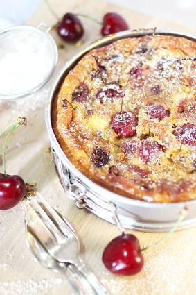 Clafoutis cerises, pistaches et sucre glace