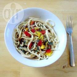 Recette salade asiatique aux nouilles servie chaude – toutes les ...