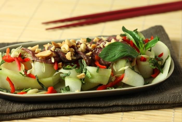 Recette de salade de boeuf à la citronnelle facile et rapide