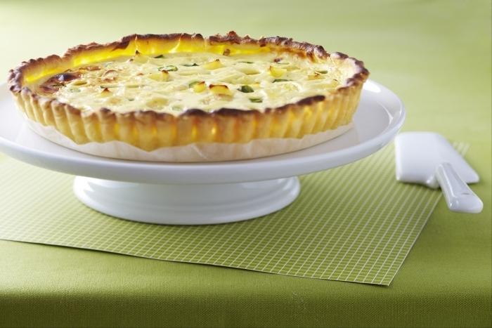 Recette de tarte pommes de terre, asperges et ricotta facile et rapide