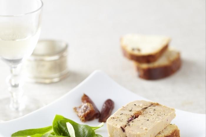 Recette de terrine de foie gras farci aux figues facile