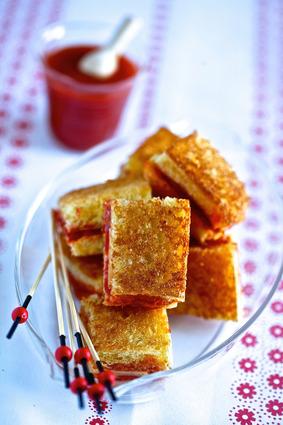 Recette de mini-croques tomacouli®, chèvre et chorizo