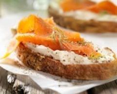 Recette tartines fraîches au saumon fumé