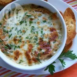 Recette soupe à l'oignon parfaitement gratinée – toutes les recettes ...