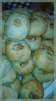 Recette de pains roquefort et noix