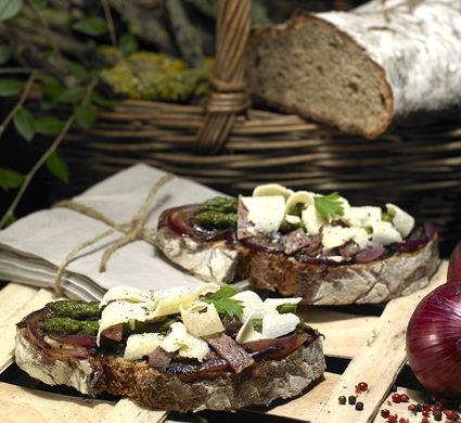Recette de tartines aux asperges vertes