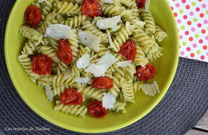 Recette de pâtes spirelli au pesto de ciboulette basilic, tomates ...