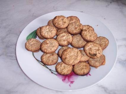 Recette de petits biscuits aux noix et zeste d'orange