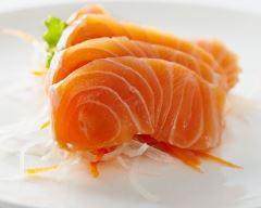 Recette sashimi saumon sur lit de daikon